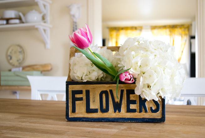 Spring Flower Arrangement - http://handyhomestead.ca/house.html